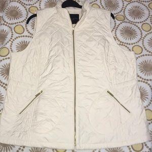 Talbots women's quilted cream vest 🌸